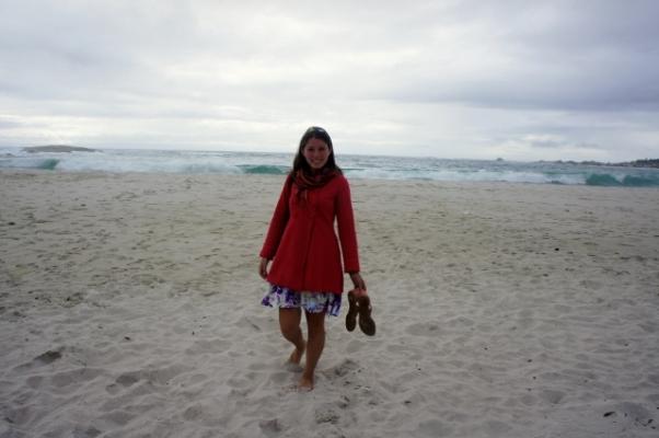 Camps Bay tem areia fininha e água gelaaada